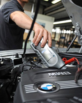 qualified bmw service & repair mechanics